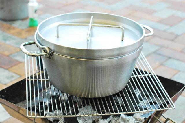 sotoのダッチオーブン